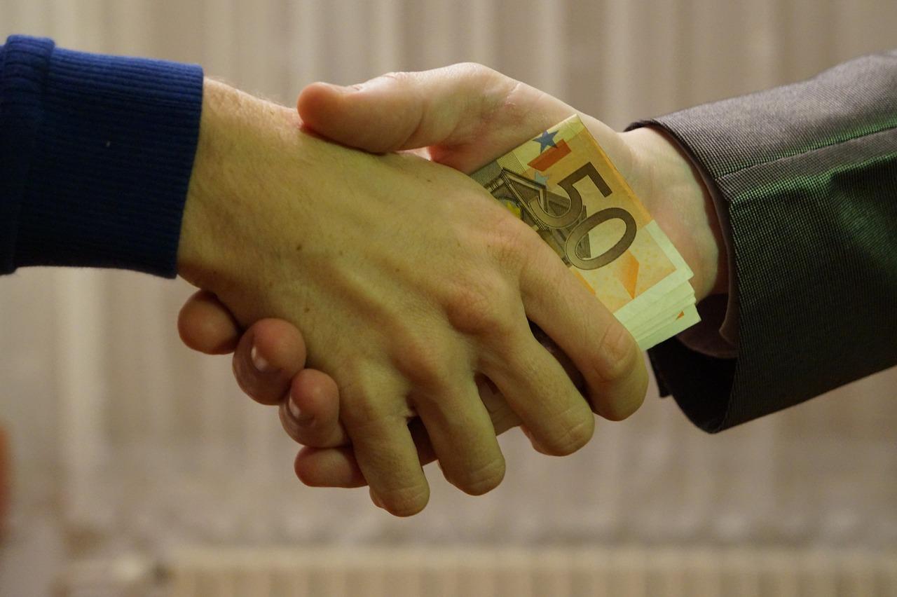 Auf Privatem Wege Geld Verleihen Das Sollten Interessierte Beachten